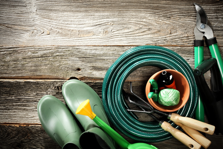 outils indispensables jardin